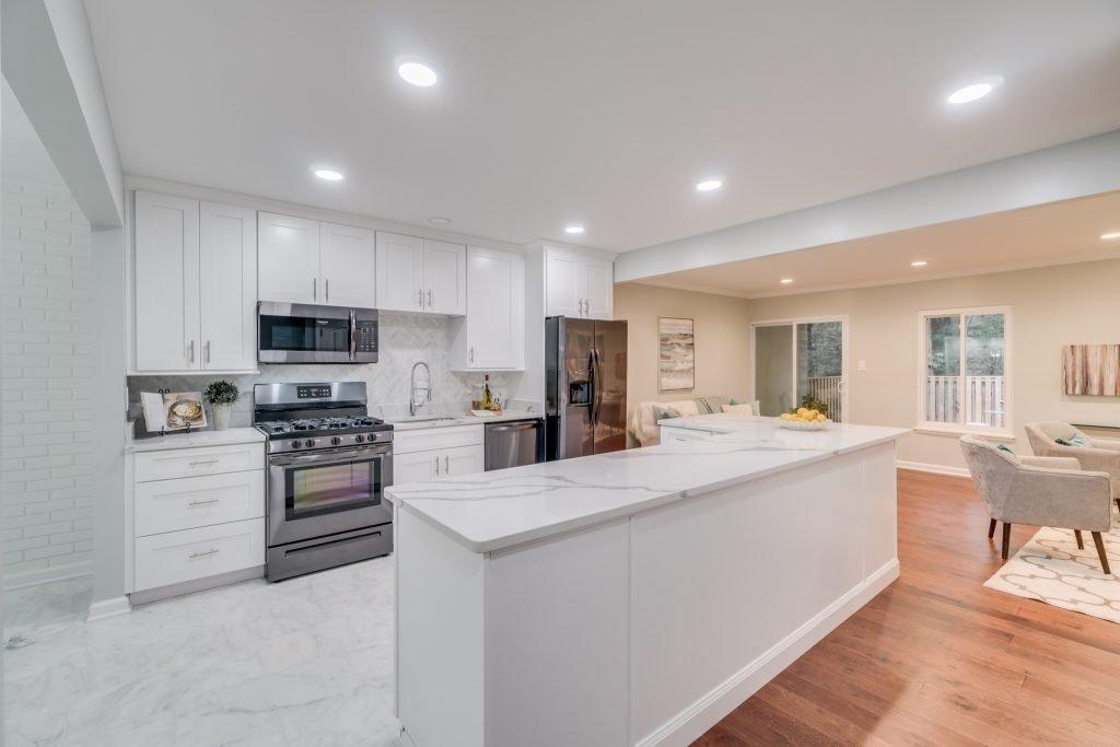 Beautiful kitchen in reston Townhome